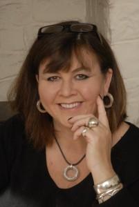 Jo Thomas Author Picture