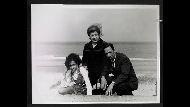 andrea-levy-photograph-of-family-on-beach